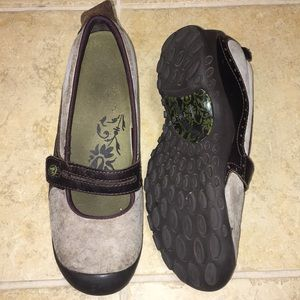 Merrell shoes size 6.5